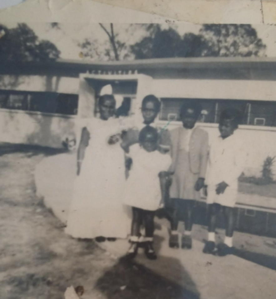 Tanya Debose Family Photos in Independence Heights 02